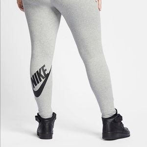 Nike Plus Active Legging